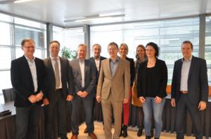 ondertekening outsourcing ICT Waalre Veldhoven